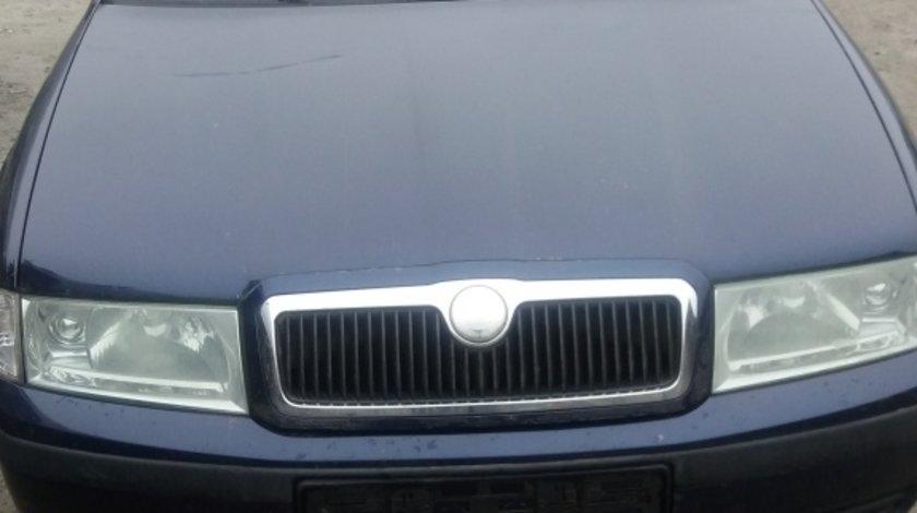 Dezmembrez Skoda Octavia 1 1,6 Benzina 2004