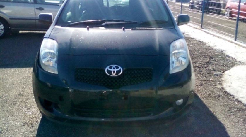Dezmembrez Toyota Yaris ,an 2007