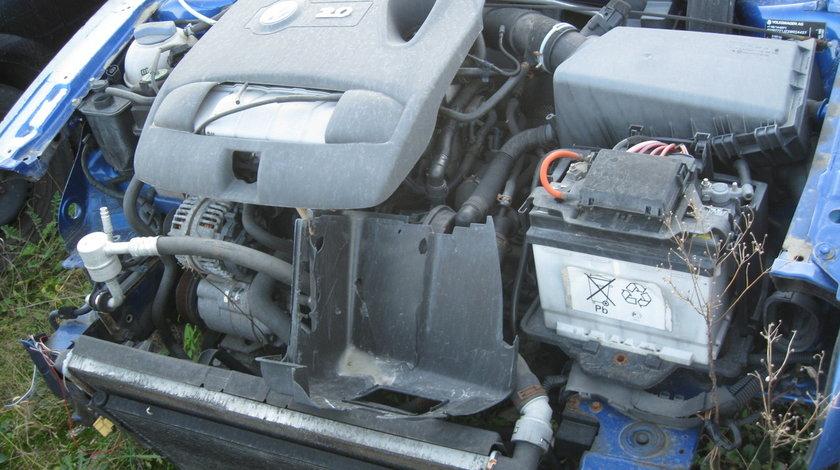 Dezmembrez VOLKSWAGEN BORA 2001 2.0 Benzina