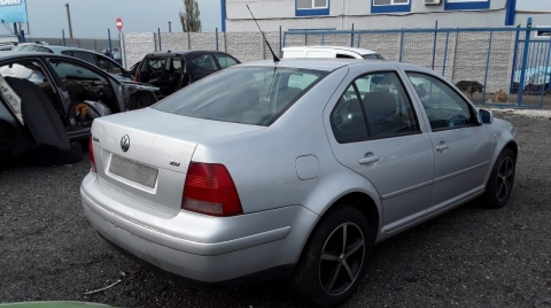 Dezmembrez Volkswagen Bora, an 2000, motorizare 2.0