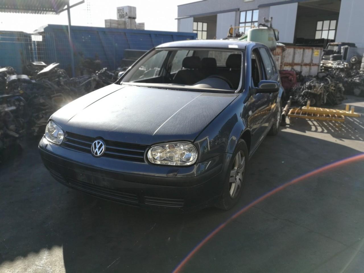 Dezmembrez Volkswagen Golf 4 1.9tdi an 2004 tip motor AXR