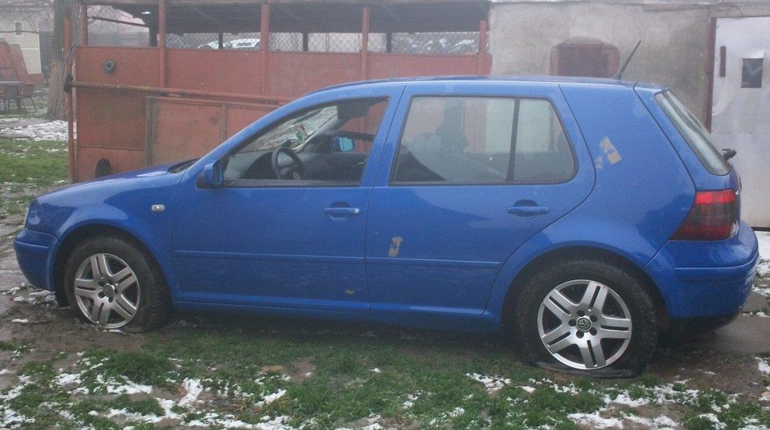 Dezmembrez Volkswagen Golf 4 motor 1.6 benzina an 2000