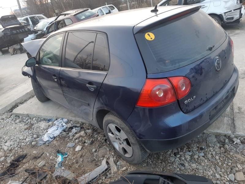 Dezmembrez Volkswagen Golf 5 2008 hatchback 1.9 tdi