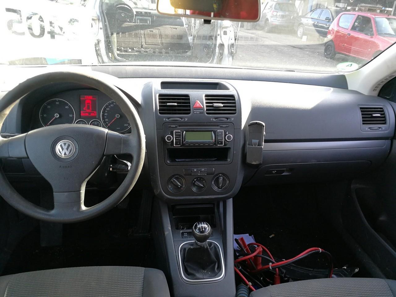 DEZMEMBREZ Volkswagen Golf 5 an de fabricatie 2008 - 2009 - 2010