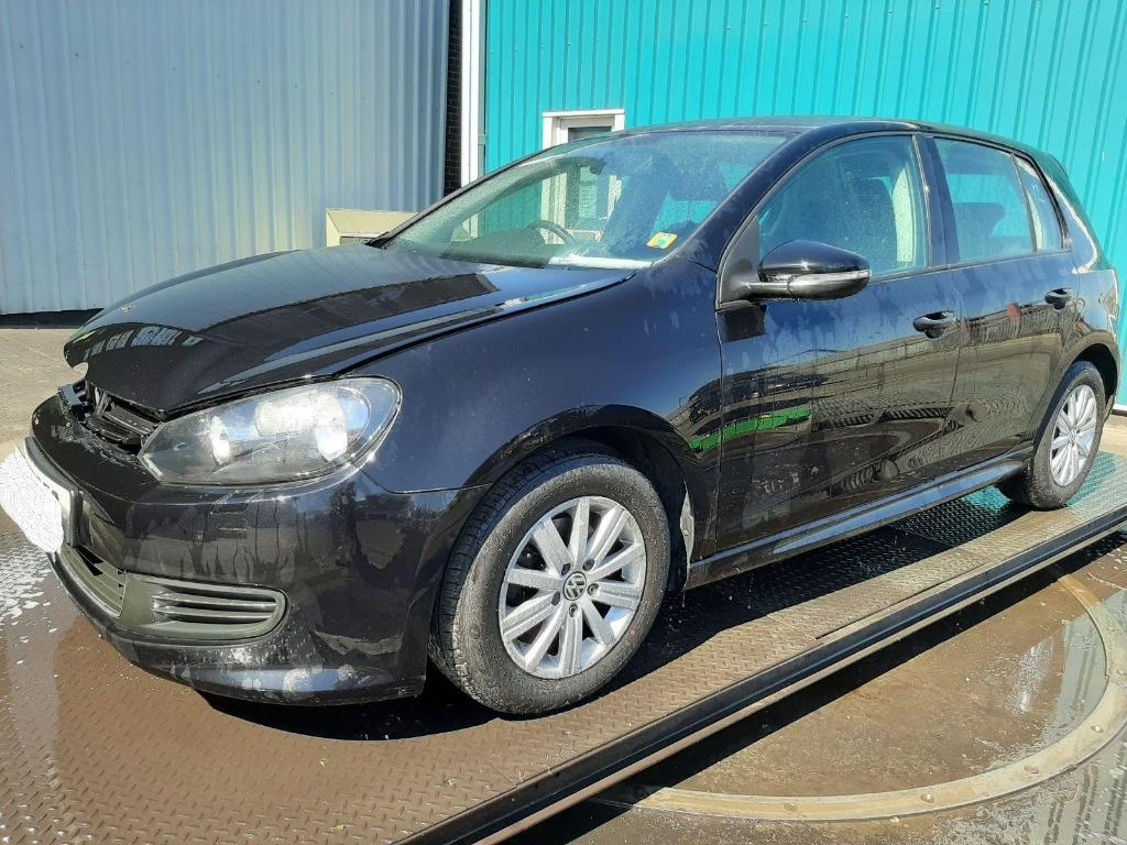 Dezmembrez Volkswagen Golf 6 2011 Hatchback 1.6 TDI