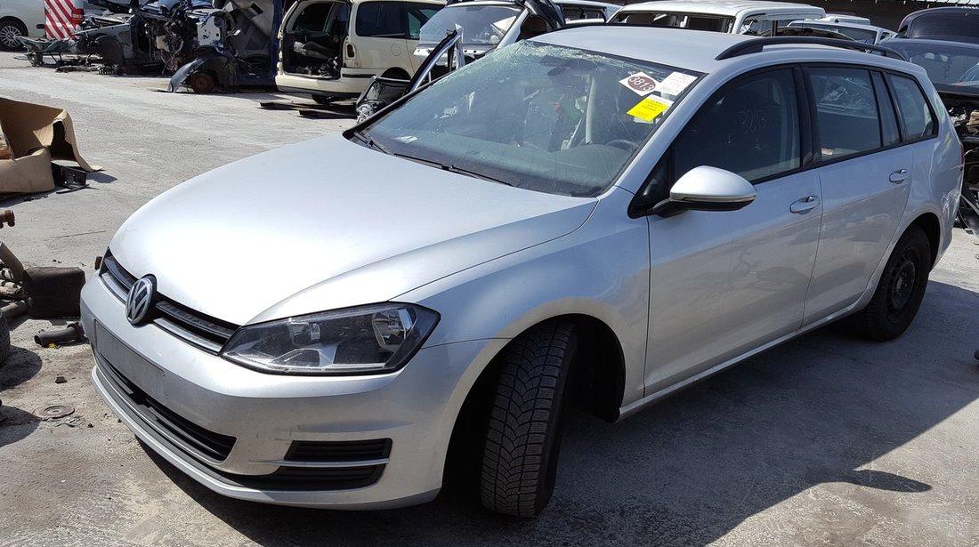 Dezmembrez Volkswagen Golf 7 2014 1.6 TDI cod CLHB