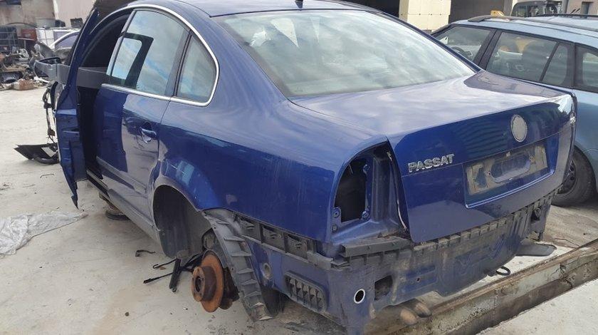Dezmembrez Volkswagen Passat 2.0i 16 Valve 2002 Volan Dreapta