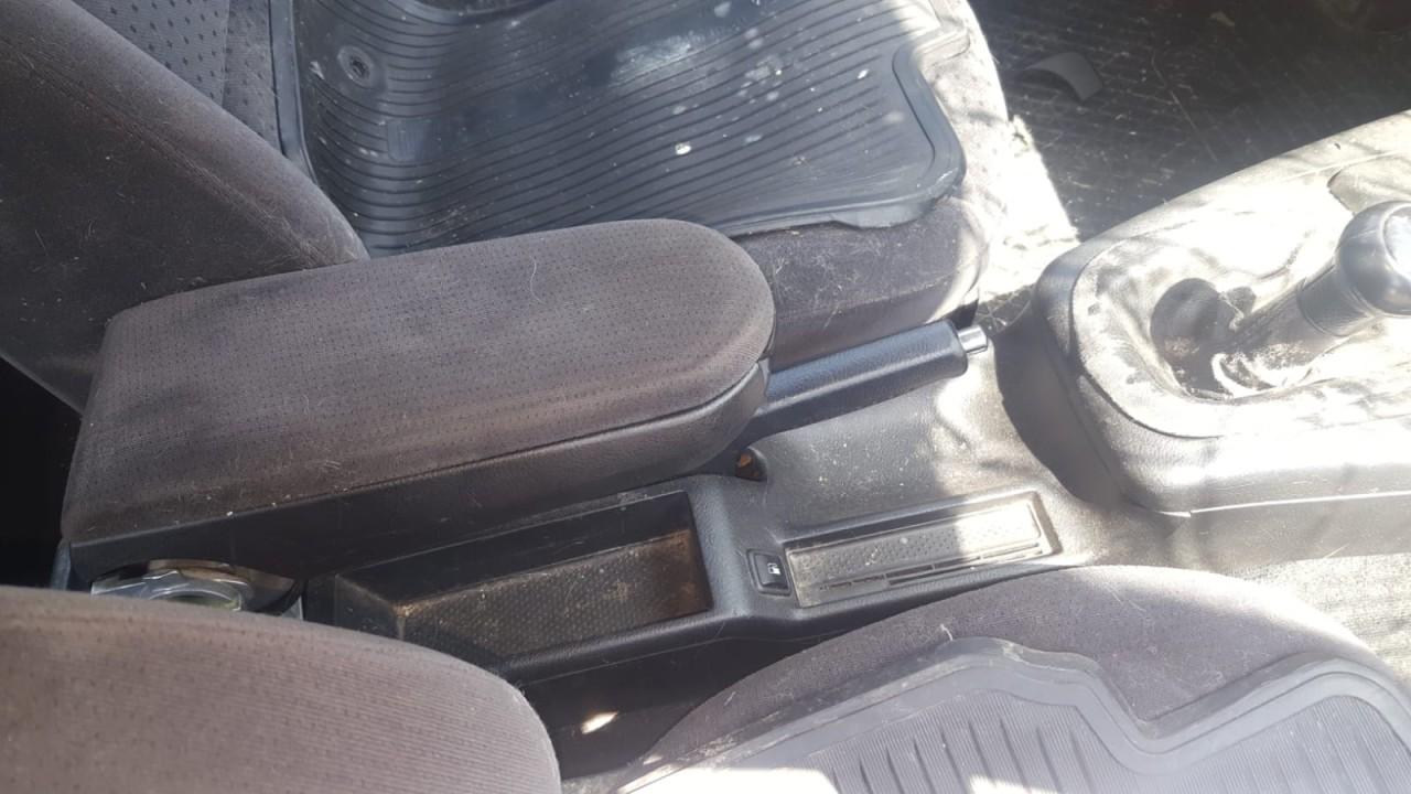 Dezmembrez volkswagen passat an 2002 motor 1.9 TDI motor,cutie viteze,fuzete fata,punte fata ,punte