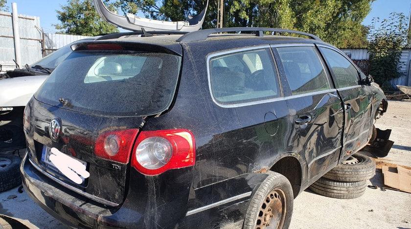 Dezmembrez Volkswagen Passat B6 2007 break 1.9 tdi BLS