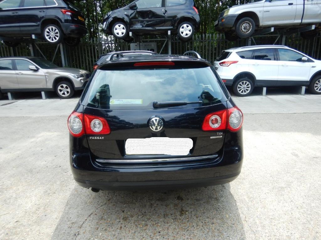 Dezmembrez Volkswagen Passat B6 2010 Break 1.6 TDI Motorina