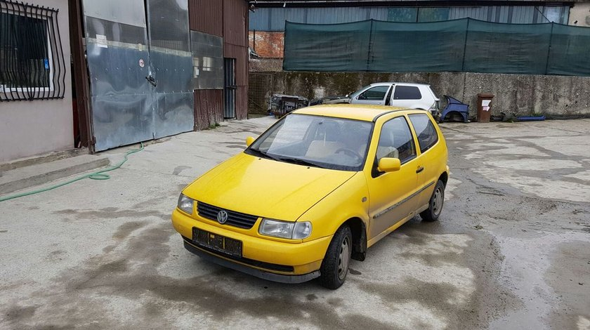 Dezmembrez Volkswagen Polo 1.7 diesel an 1998