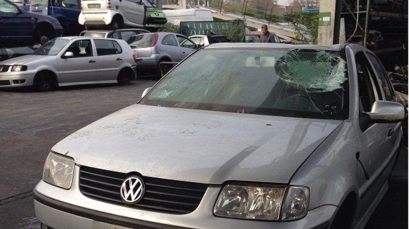 Dezmembrez Volkswagen Polo 6N2