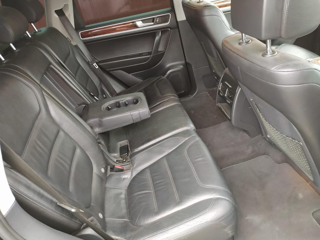 Dezmembrez Volkswagen Touareg 7P 2011 176kw 240cp volan stanga 3.0 tdi CASA