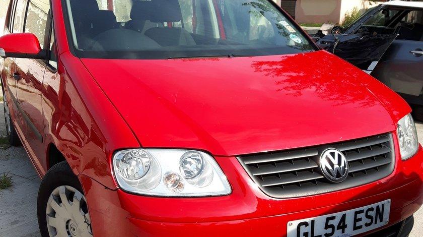 Dezmembrez Volkswagen TOURAN 1.6FSI BLP 2006 Motor BLP