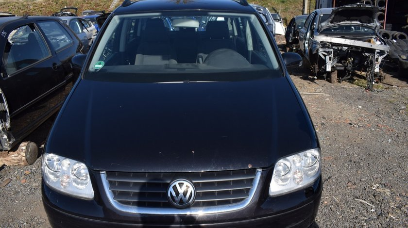 Dezmembrez Volkswagen Touran 1.9 AVQ 2005
