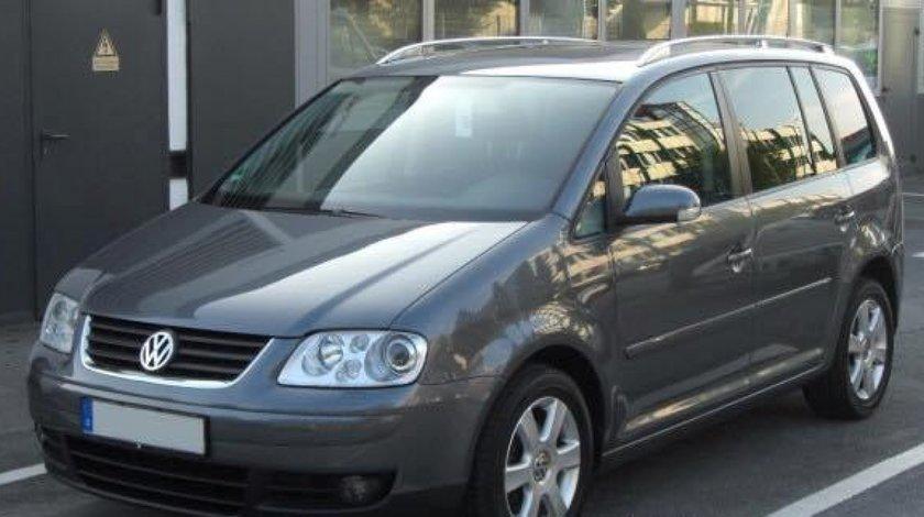 Dezmembrez Volkswagen Touran 1.9 tdi 2.0 tdi an 2006