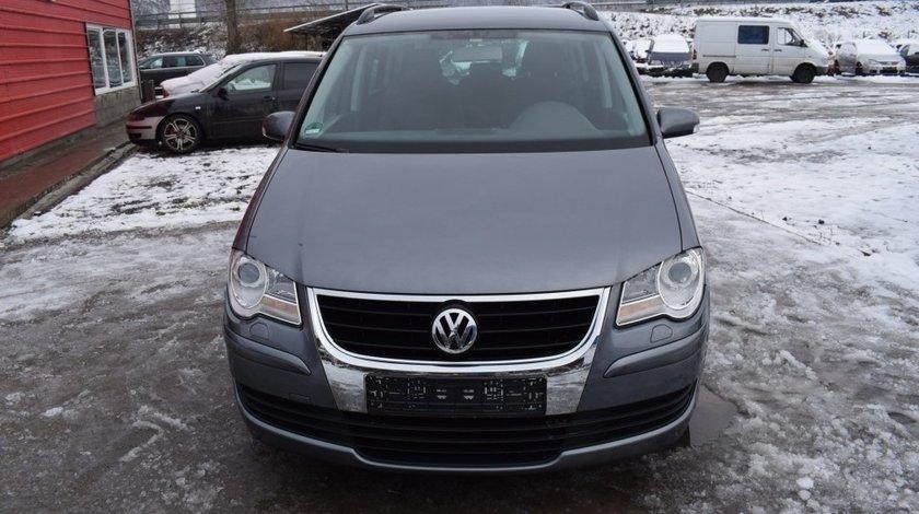 Dezmembrez Volkswagen Touran 1.9 Tdi BLS 2008