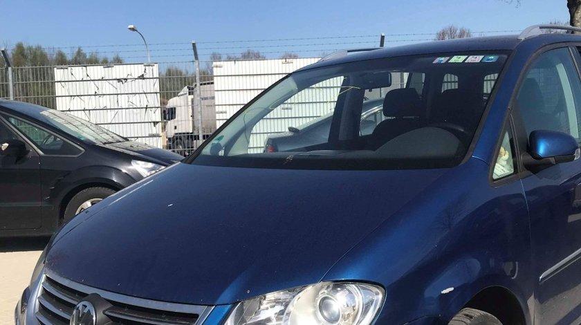 Dezmembrez Volkswagen Touran 2.0 TDI BMM 2008  Facelift