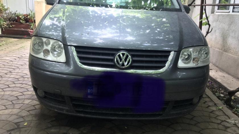 Dezmembrez Volkswagen touran 2.0AZV 136cp cutie manuala 6+1 trepte
