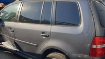 Dezmembrez Volkswagen Touran 2006 MONOVOLUM 1.9 TD...