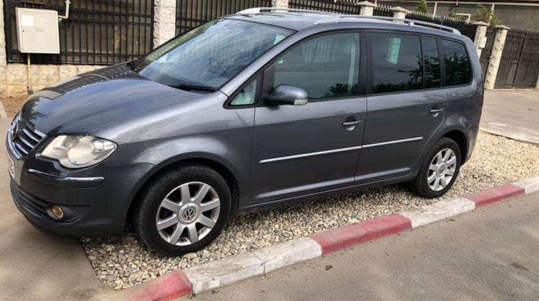 Dezmembrez Volkswagen Touran 2007 Monovolum 2.0BKD