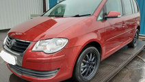 Dezmembrez Volkswagen Touran 2008 Hatchback 2.0 td...