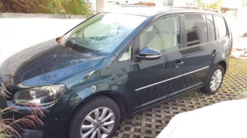 Dezmembrez Volkswagen Touran an 2012 motor 1.6 diesel.