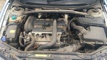 Dezmembrez Volvo S60 2001