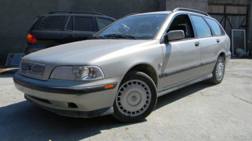 Dezmembrez Volvo V40 1 6i 16V 77kw 105cp tip B4164S an 1999