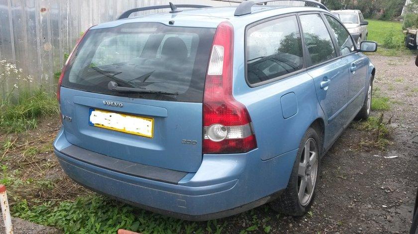Dezmembrez Volvo V50, 2.0 diesel, an 2004