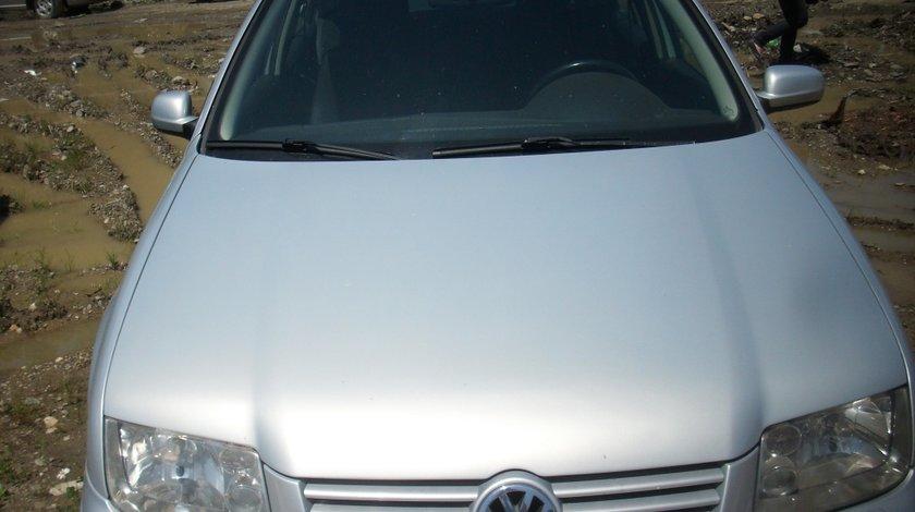 Dezmembrez VW Bora 2.0 B 2005
