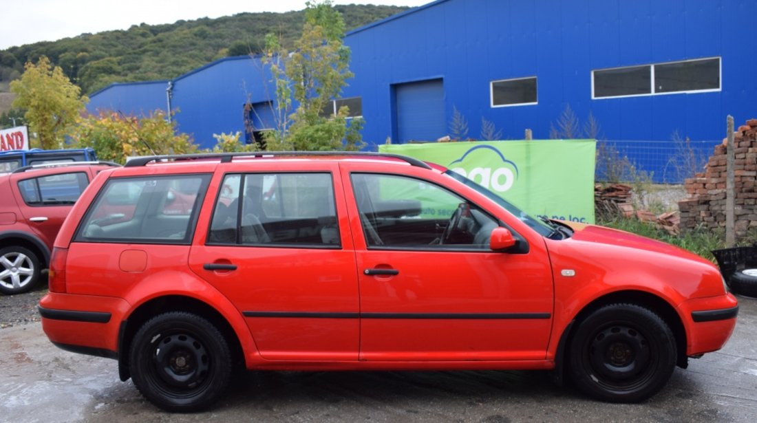 Dezmembrez VW Golf 4 Combi 1.9 TDI AGR cod culoare LP3G