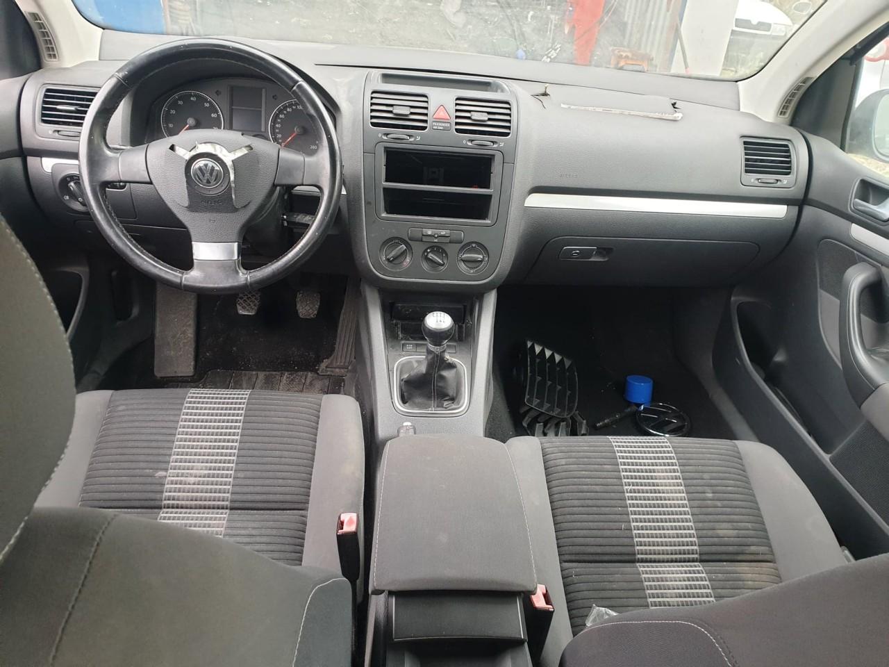 Dezmembrez VW Golf 5 1.4 TSi 122 cai motor CAXA 6 trepte an 2008