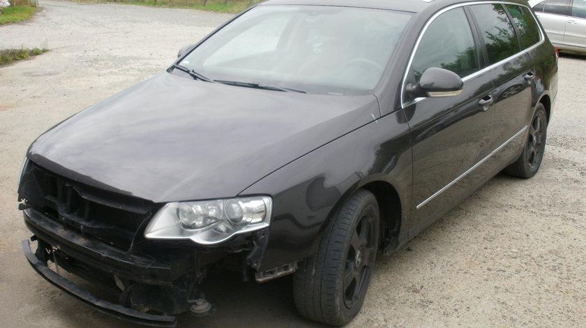 Dezmembrez VW Passat B6, 2.0tdi, Highline, 4Motion(4x4), manual 6+1
