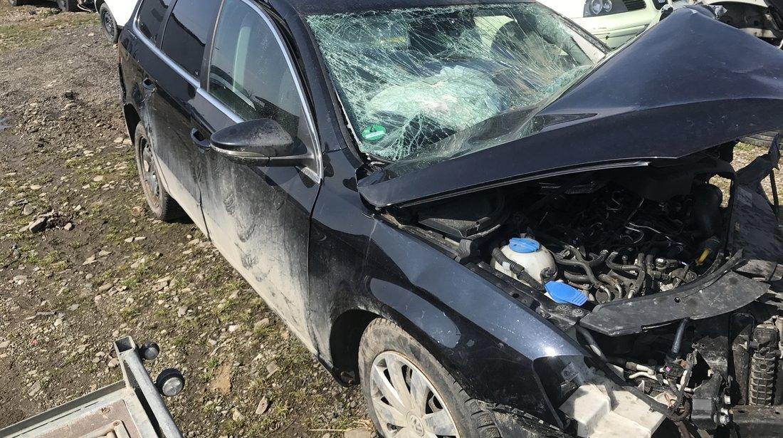 Dezmembrez VW Passat B7 2,0 tdi 2013 CFFB