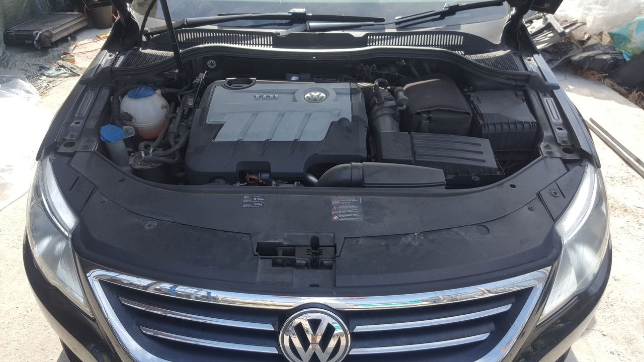 Dezmembrez VW Passat CC 2.0 TDI automat DSG