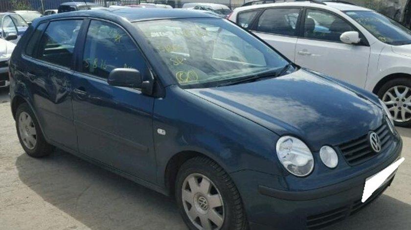 Dezmembrez VW POLO 9N an fabr. 2004, 1.9D SDI