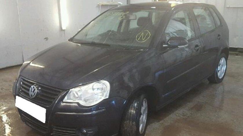Dezmembrez VW POLO 9N3, an fabr. 2005, 1.2i 12V, FL
