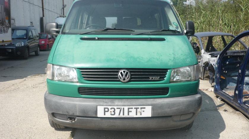 Dezmembrez VW T4 caravelle, 2.5 tdi
