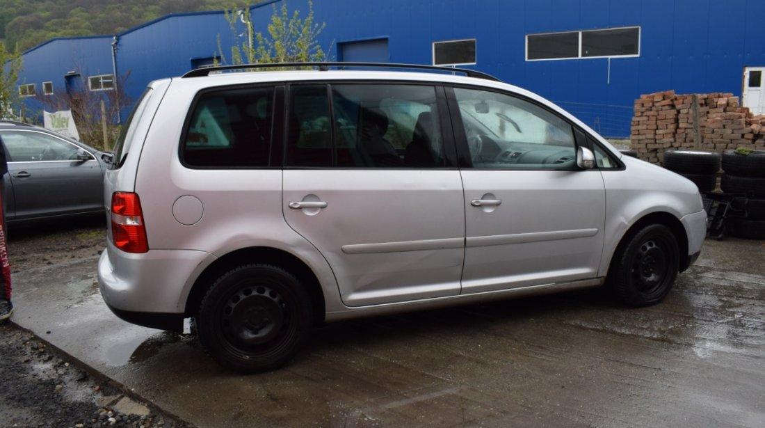 Dezmembrez VW Touran 1.9 TDI AVQ 2004 513