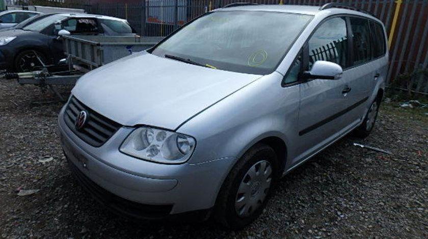 Dezmembrez VW Touran an fabr. 2004,1.9 TDI PD