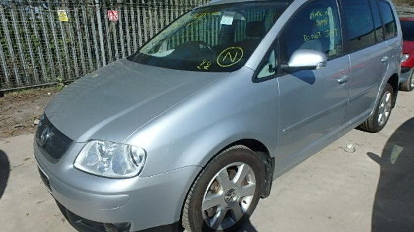 Dezmembrez VW Touran an fabr. 2004, 2,0D TDI PD