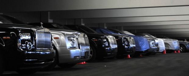 Din culisele luxului: Parcare plina cu modele Rolls Royce!