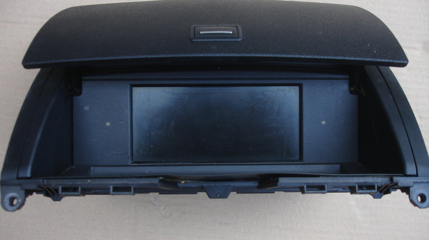 Display navigatie mica mercedes c class w204 an 2009