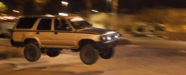 Distractie in Las Vegas: drifturi, off-road si fuga de politie