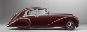 Distrus de bombardamente in '39, acest Corniche unic a fost reconstruit la perfectie de Bentley