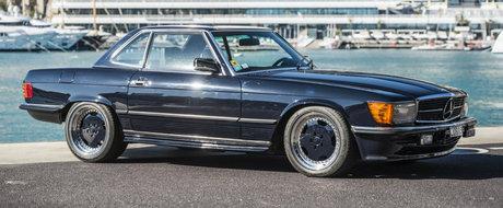 Doar trei astfel de masini exista in lumea intreaga, iar una e de vanzare. Cat costa acest Mercedes 560 SL 6.0 AMG