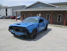 Dodge Challenger Hellcat facut praf