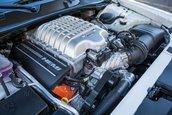 Dodge Challenger SRT Hellcat cu transmisie manuala