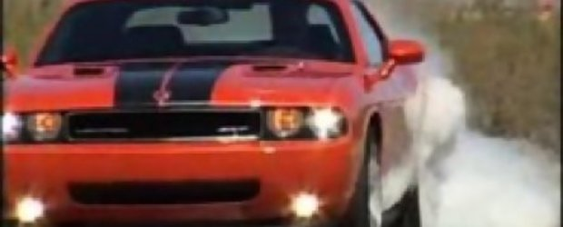 Dodge Challenger SRT8 - clip video